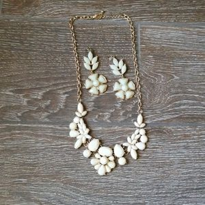 Ivory color flower necklace set
